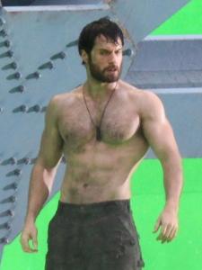 henry-cavill-man-of-steel-superman-green-screen-shirtless-10262011-13-675x900